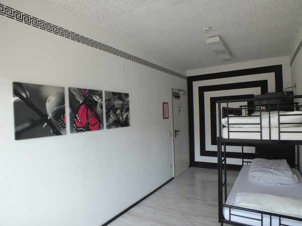 2 bed room - Black-White